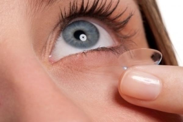retro eine große Auswahl an Modellen Original kaufen Kontaktlinsen absetzen – so geht's! | CooperVision Germany